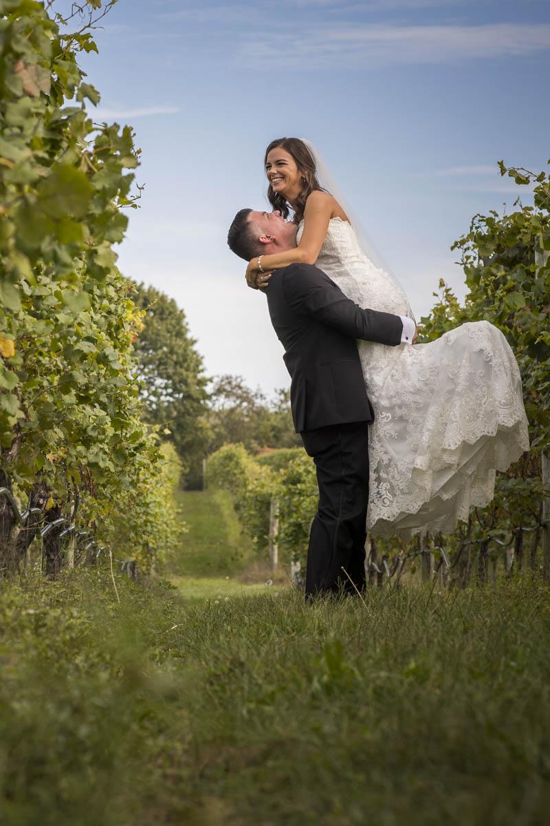 Sparkling Pointe – Vineyard Wedding